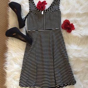 ❤️ Super cute knit striped dress ❤️